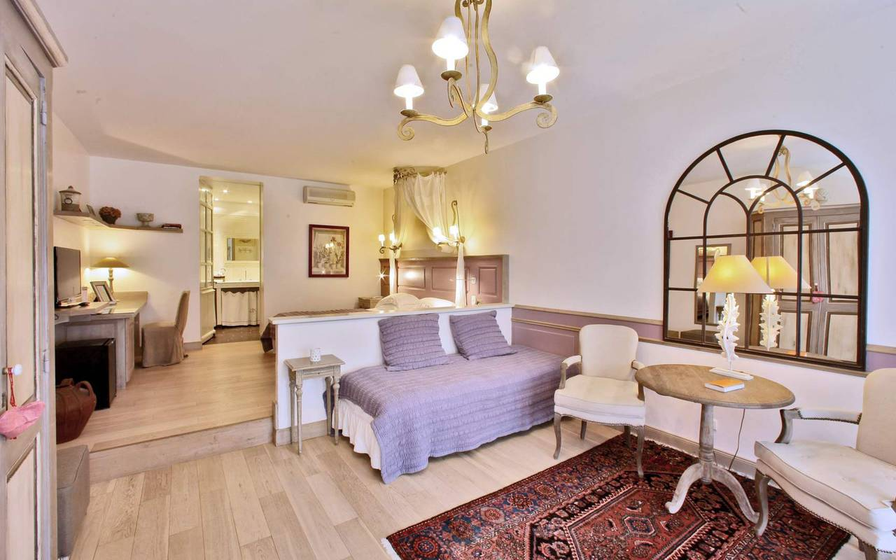 spacious suite les glycines sarlat