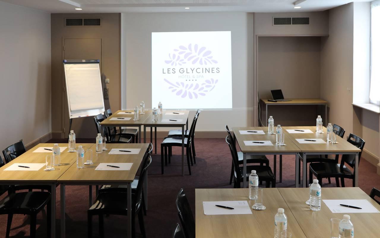 room for meetings team building sarlat