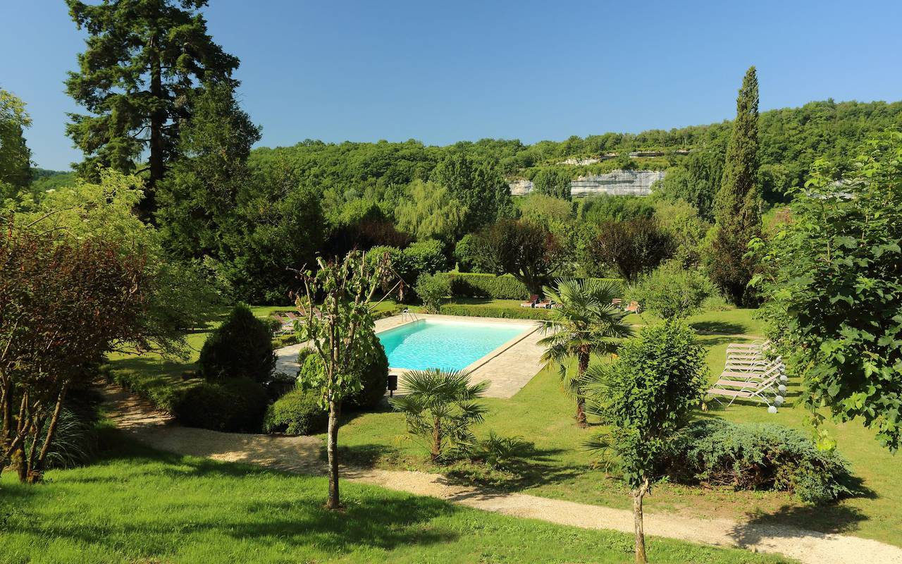 swimming pool hotel les eyzies