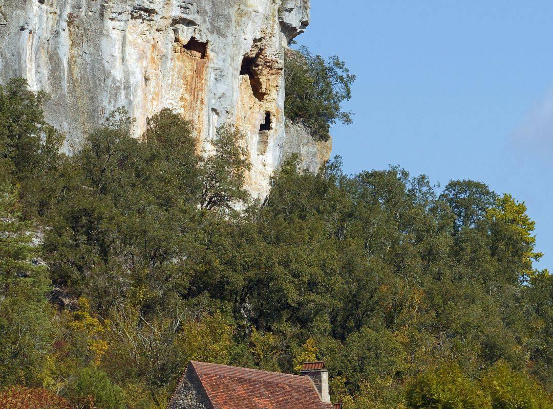 cliff hotel restaurant Montignac