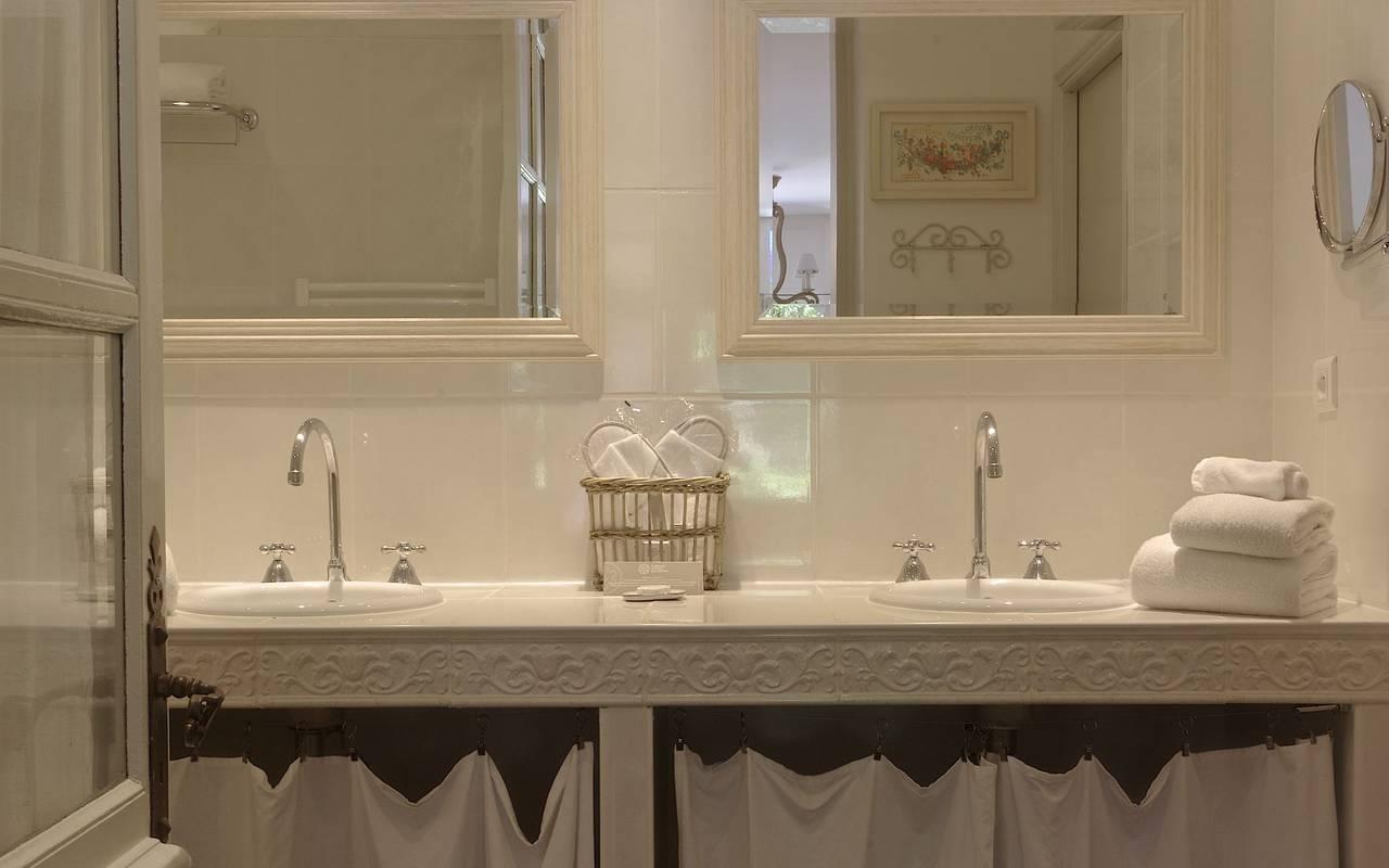 salle de bain chic hotel perigueux
