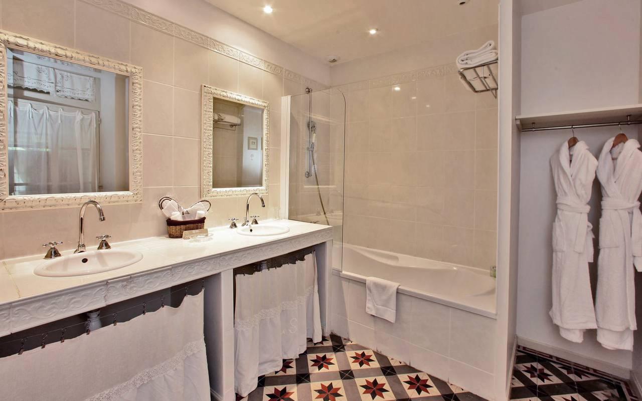 grande salle de bain les glycines