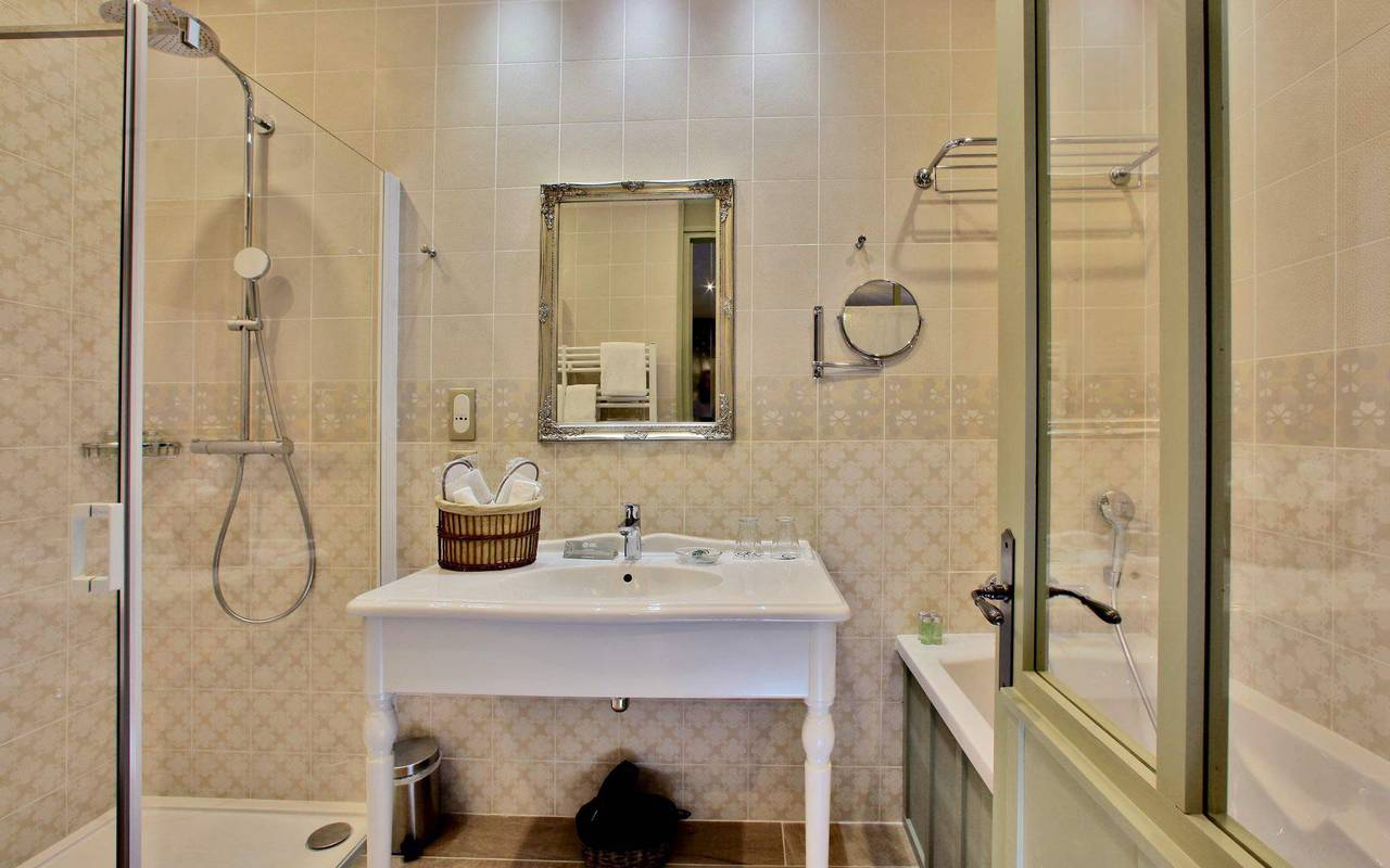 salle de bain hotel de charme montignac
