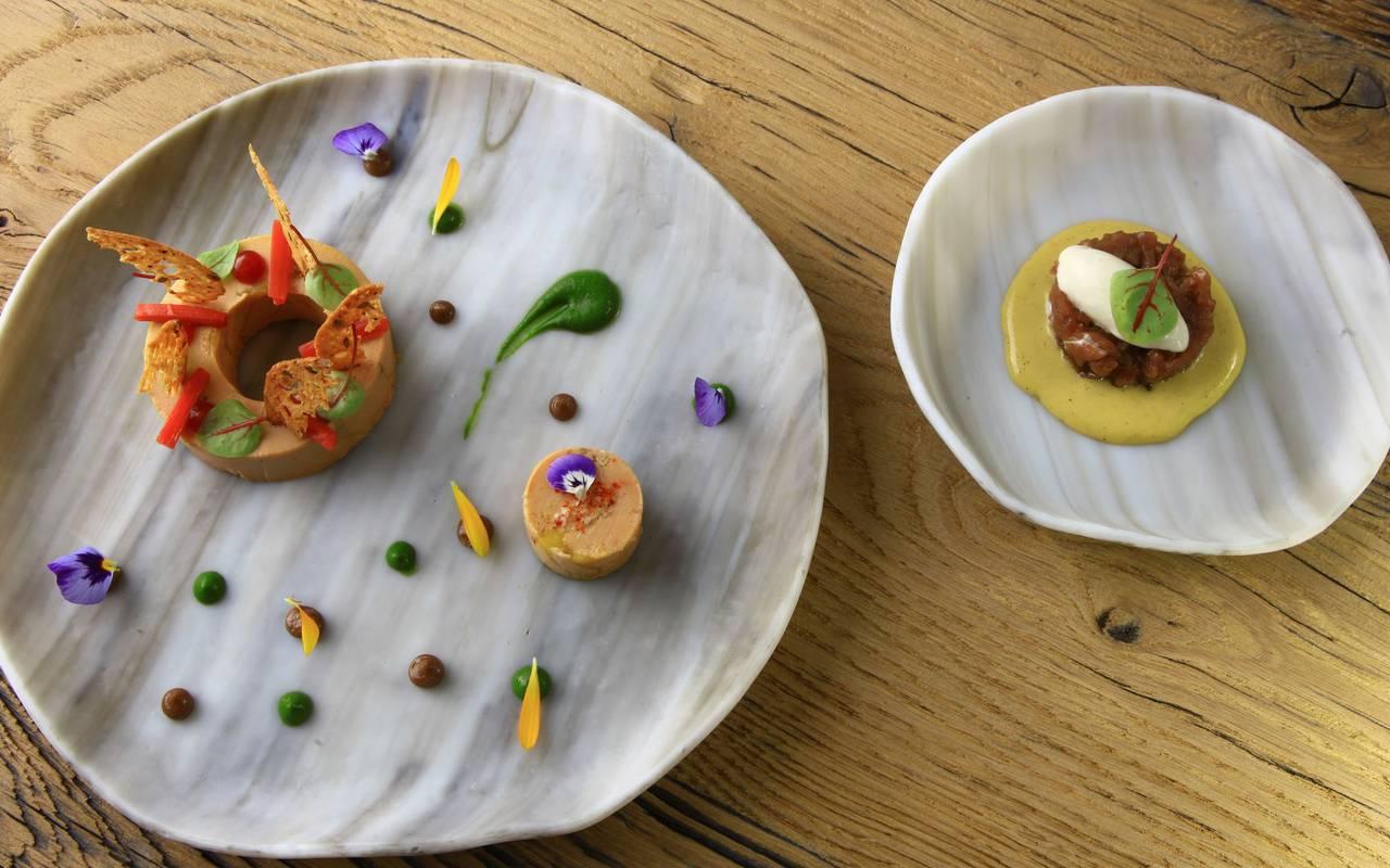 De véritables trésors cullinaires dans le restaurant gastronomique en dordogne de l'hôtel Les Glycines