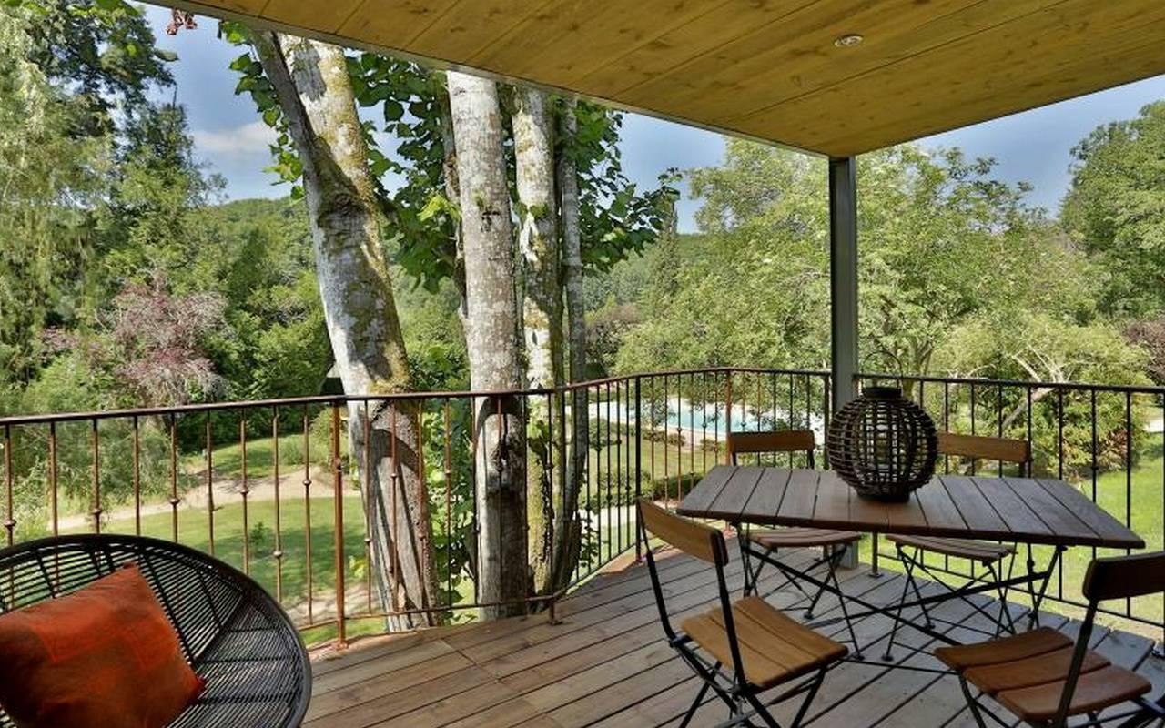 terrasse en bois le bugue hotel