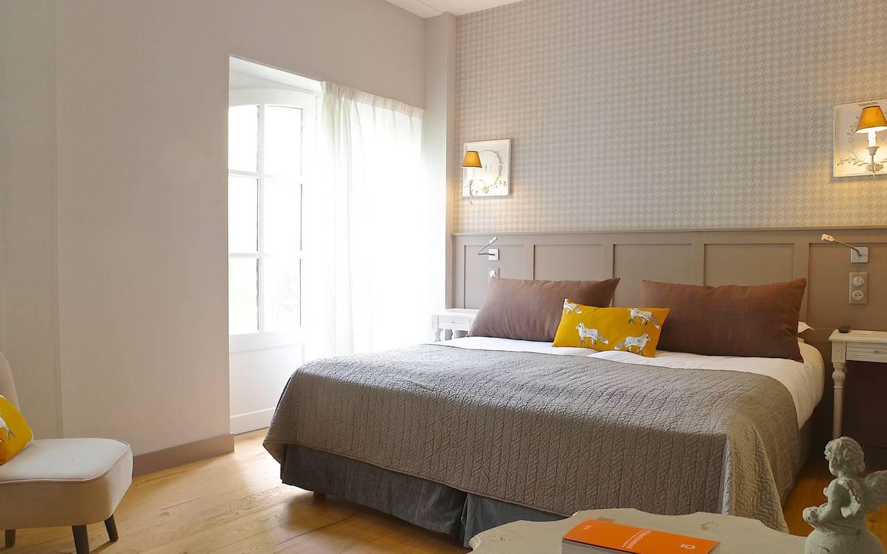chambre lumineuse hotel montignac lascaux