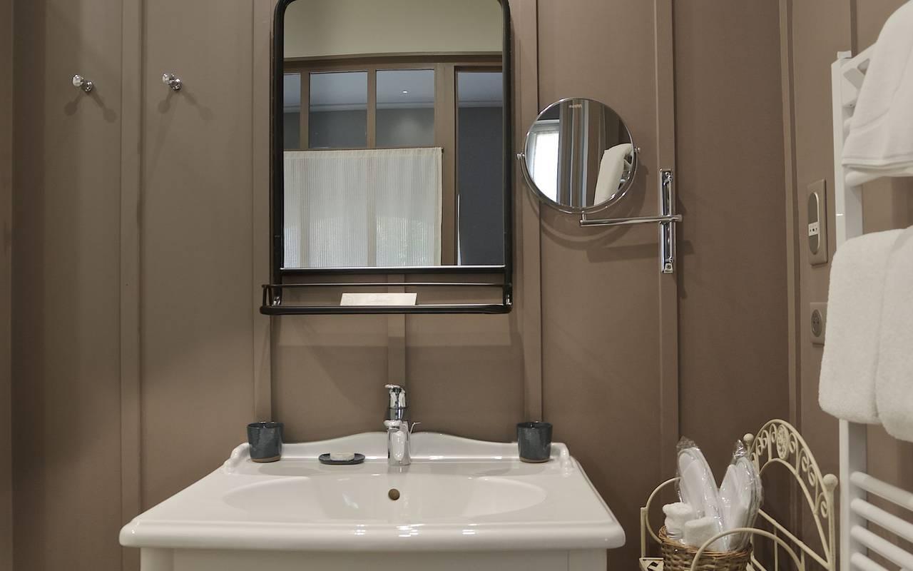 salle de bain hebergement montignac